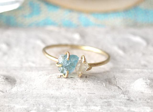 原石のアクアマリンとダイヤモンドクォーツのリング