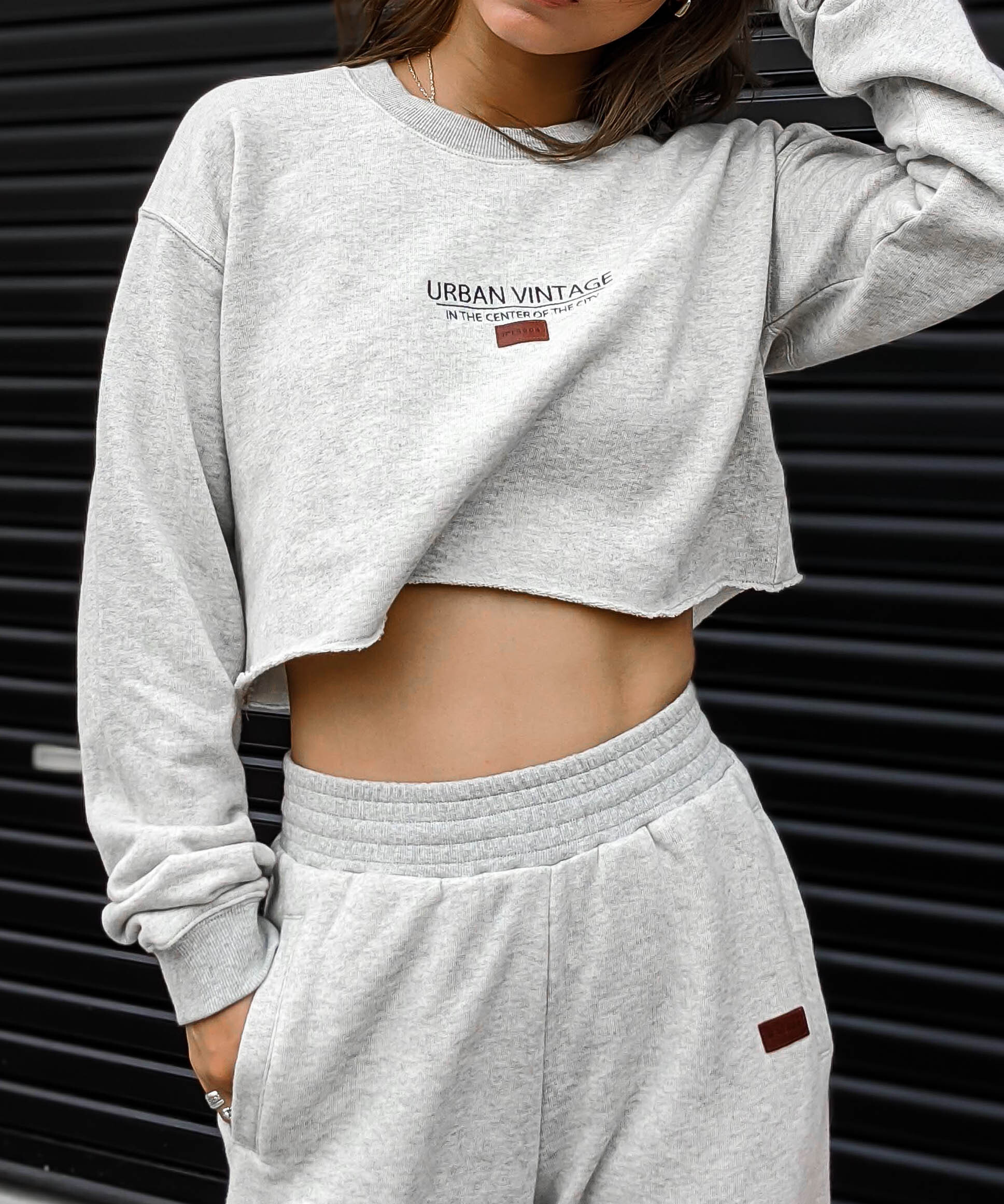 Embroidery short trainer
