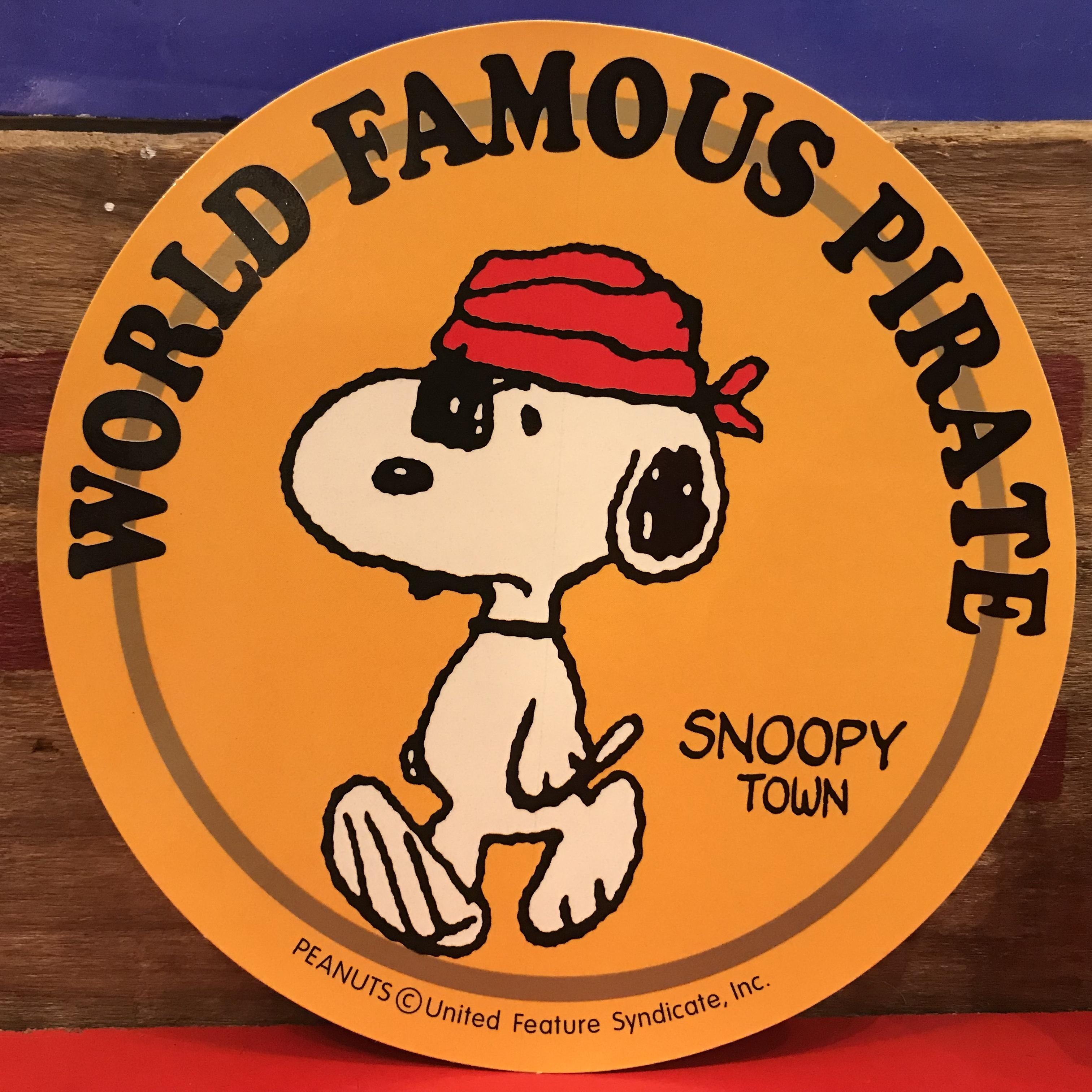 スヌーピー PEANUTS 世界的に有名な海賊 特大ステッカー 限定品 2000年製。