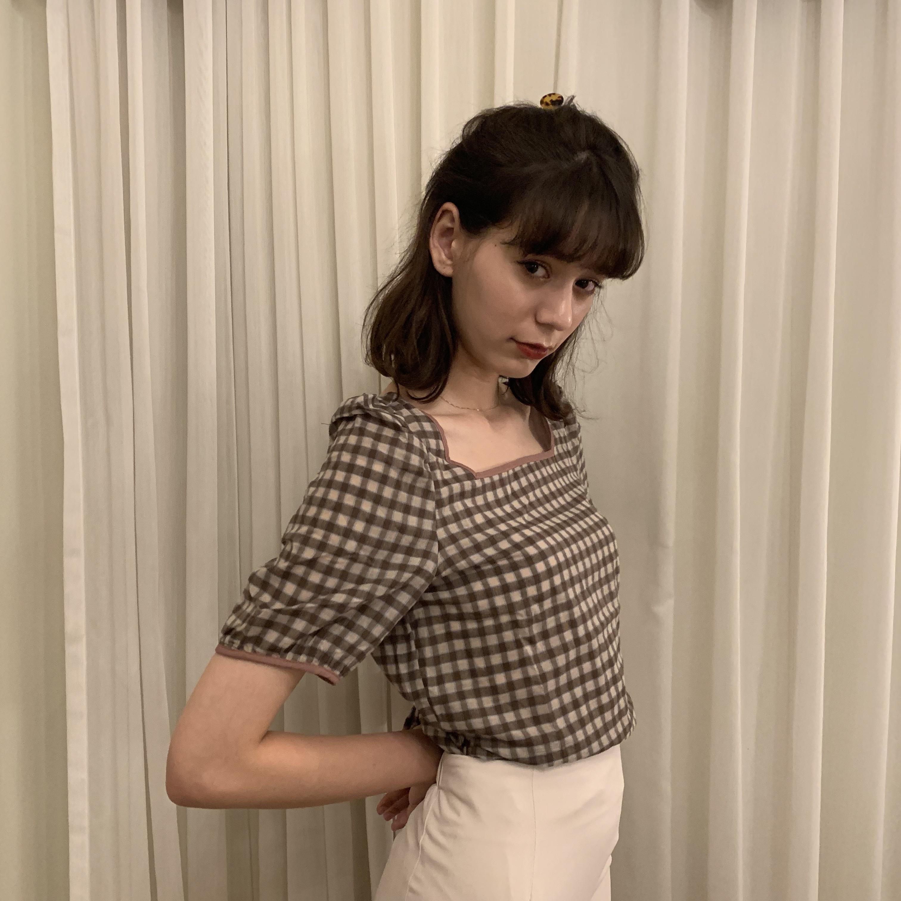 check puff shoulder blouse