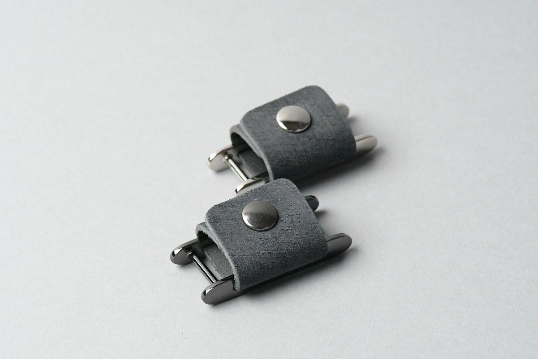 コードホルダー □ブラック・黒メタル□ イタリアンレザー earphone code holder - 画像2