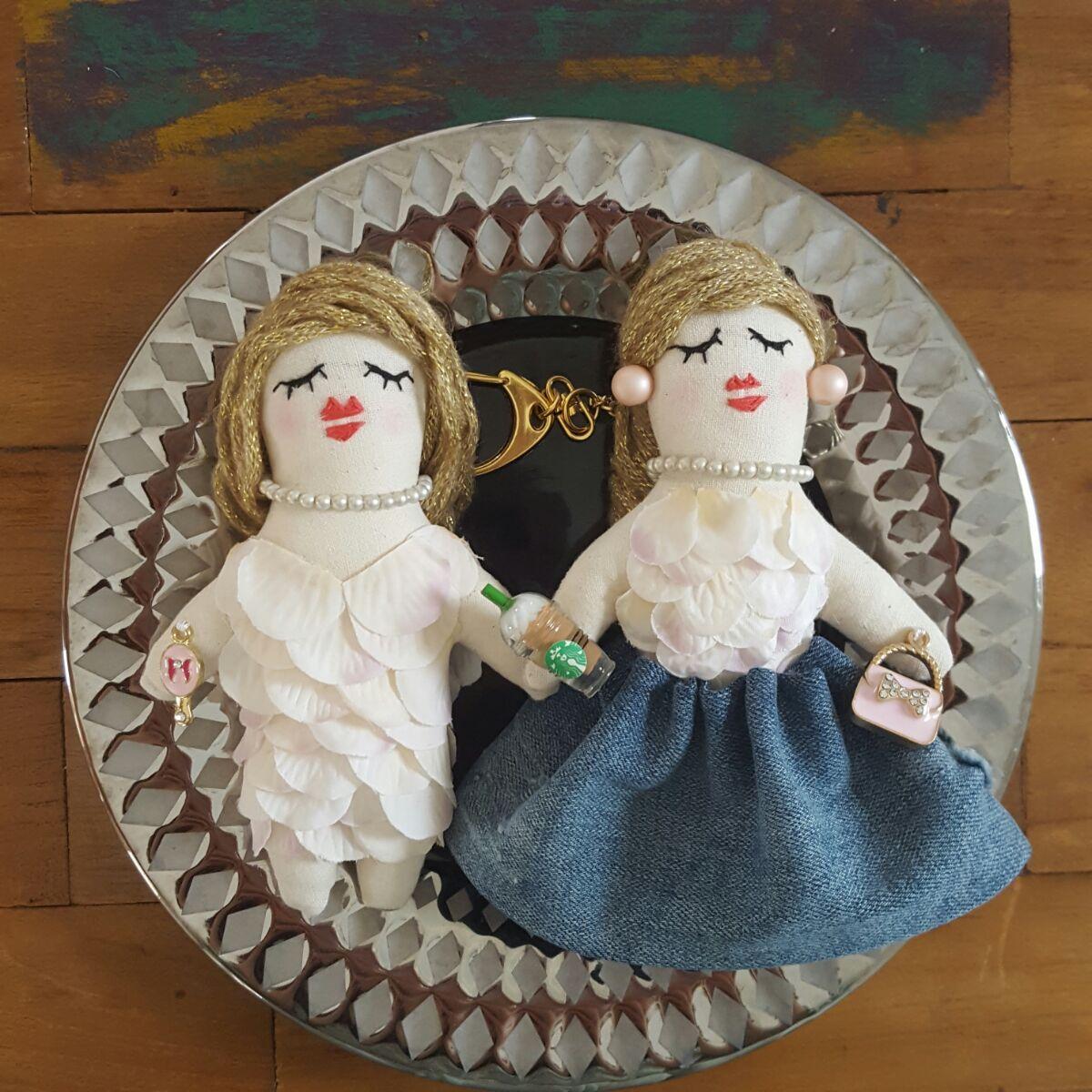 花びら衣装のドールチャーム姉妹