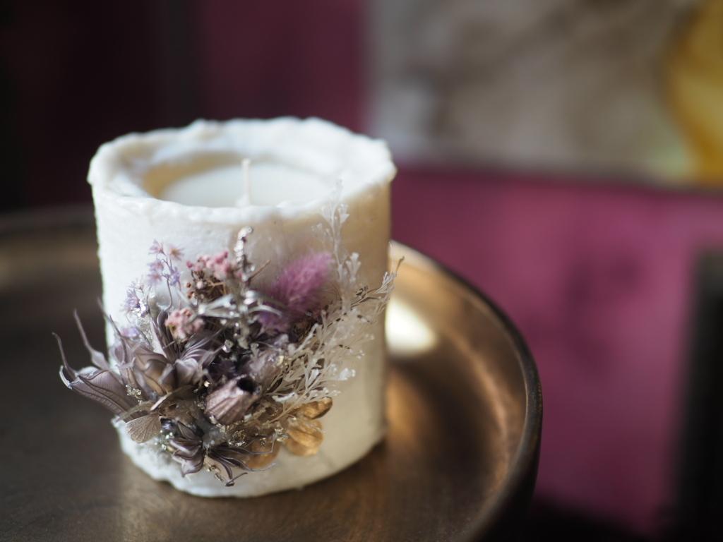 Botanical candle 1