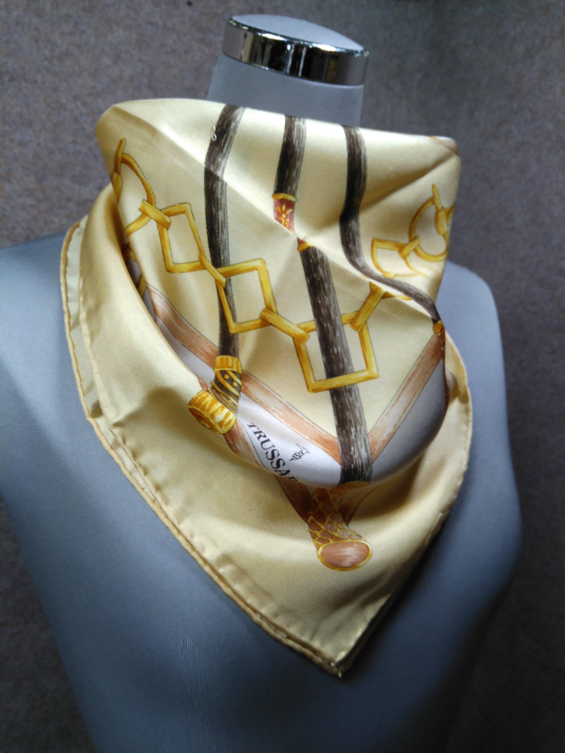 トラサルディ スカーフ シルク 絹 クリームイエロー系 mu925e