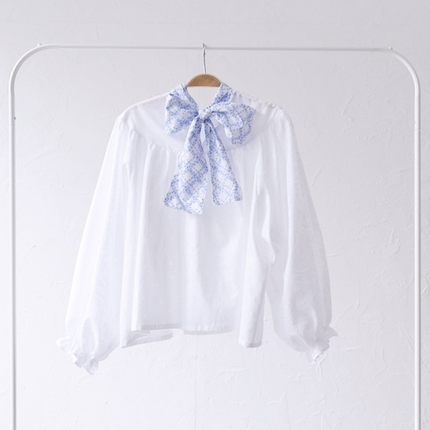 back ribbon gather blouse〈White・ブラウス〉