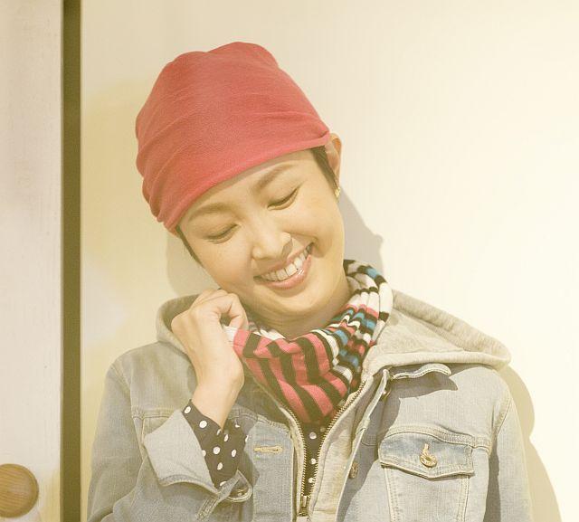 【送料無料】こころが軽くなるニット帽子amuamu|新潟の老舗ニットメーカーが考案した抗がん治療中の脱毛ストレスを軽減する機能性と豊富なデザイン NB-6060|紅色(べにいろ)