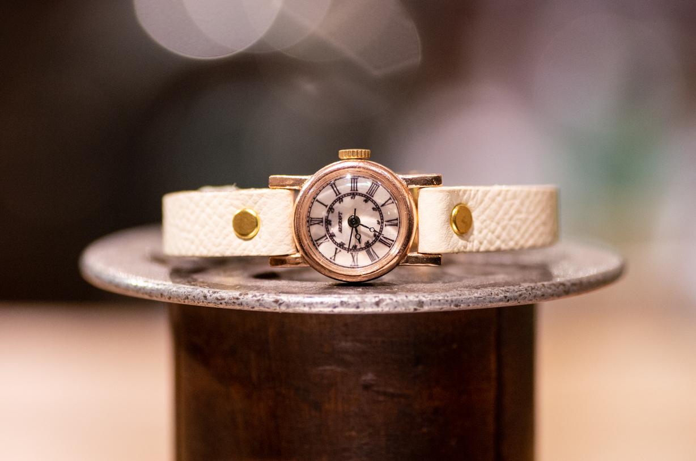 品のある雰囲気のかなり小さめな腕時計(Andy Mini/在庫品)
