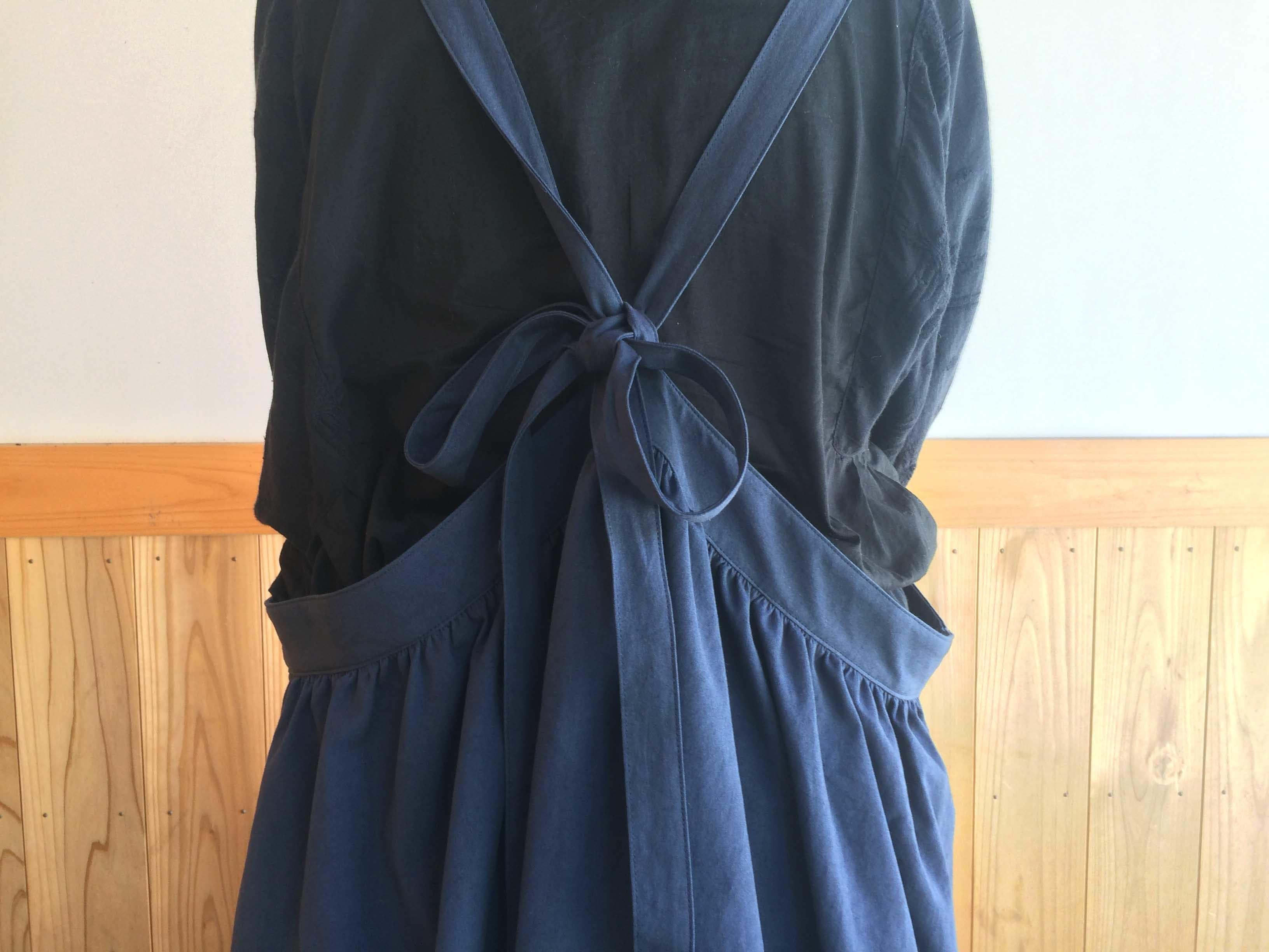 バックリボンジャンパースカート NV