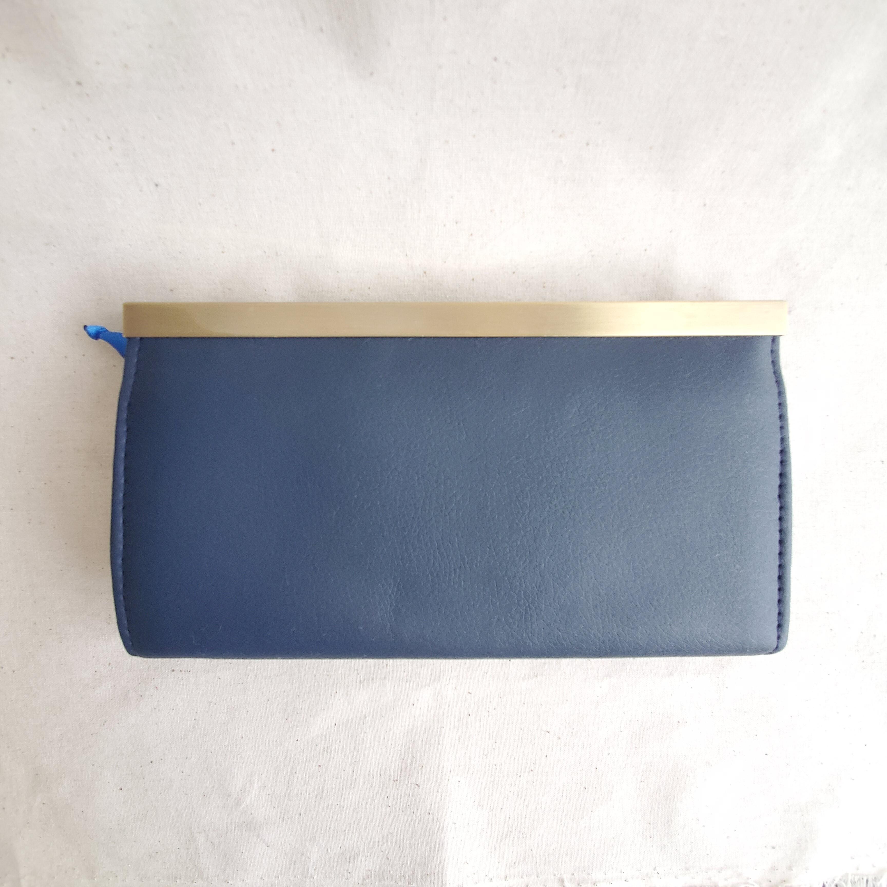 チューリップ柄の長財布