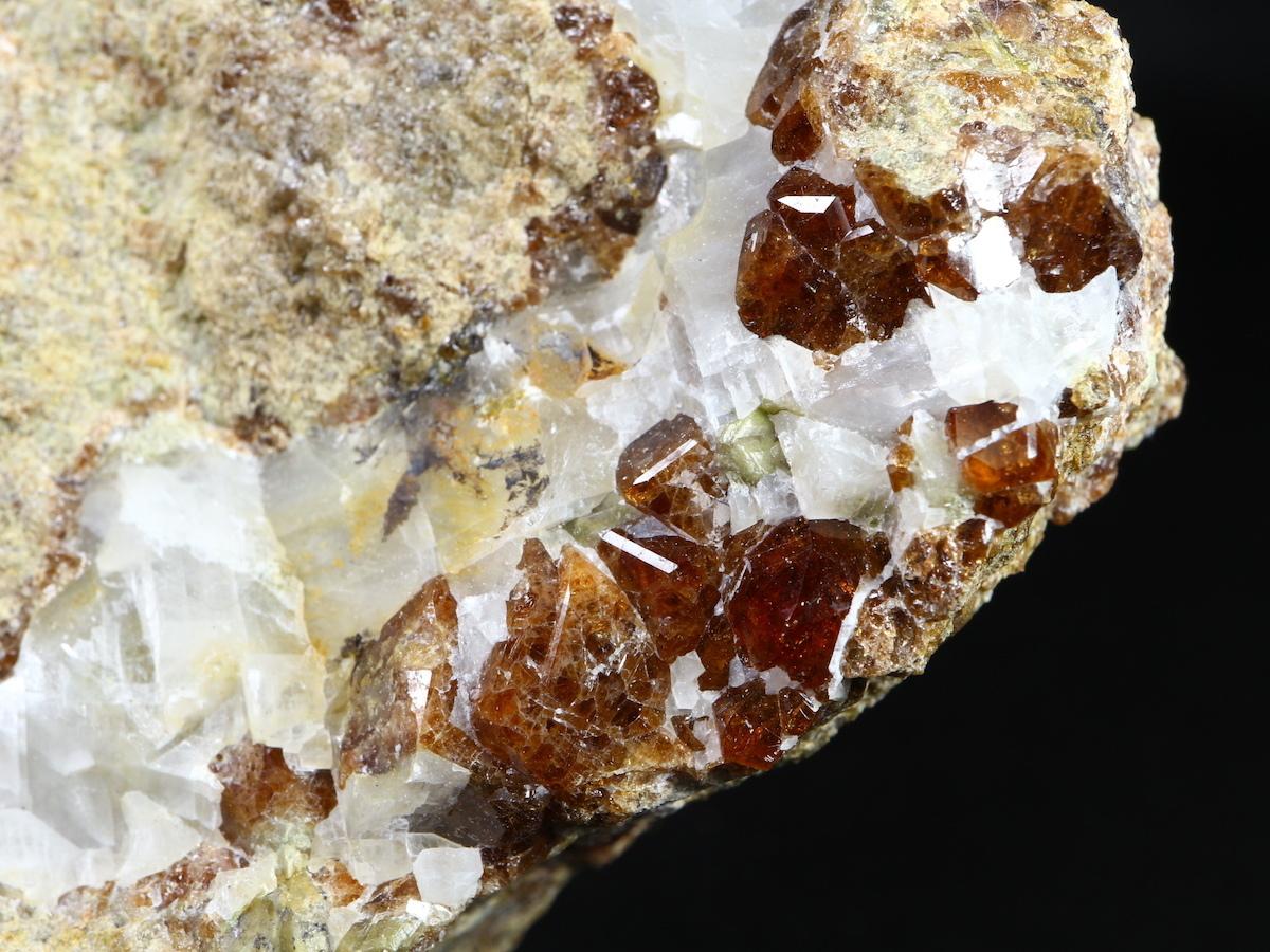 カリフォルニア産 グロッシュラーガーネット 424,9g GN046 原石 鉱物 天然石 パワーストーン