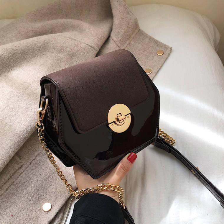 【送料無料】 個性派バッグ♡ ミニ ショルダー バッグ チェーン エナメル 六角形 ヘキサゴン 肩掛け 鞄