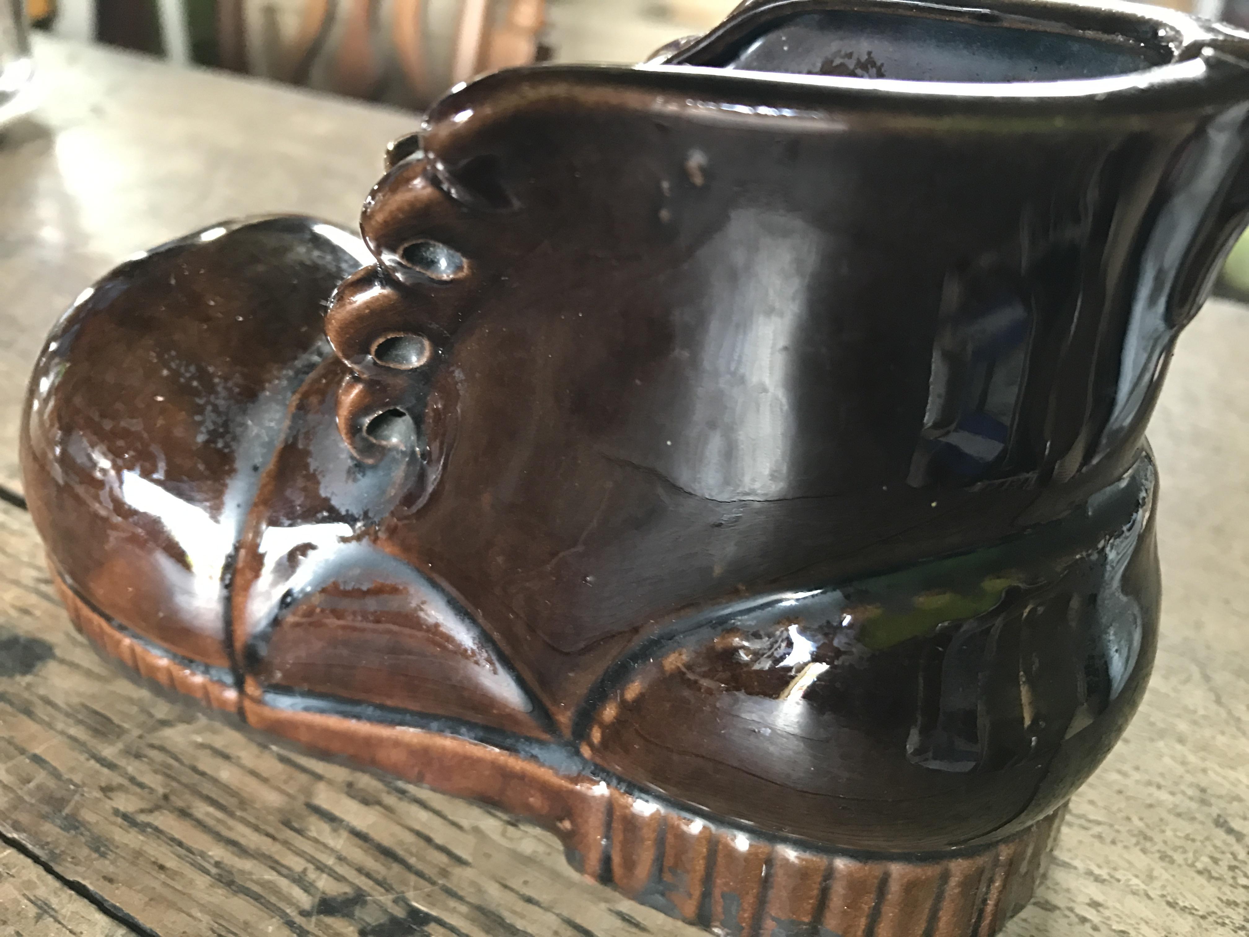 陶器製 くつ