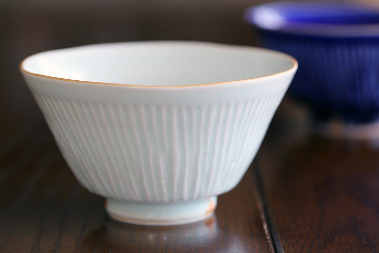 青白磁釉しのぎ 手造り飯碗 作:陶工房楽(波佐見焼)