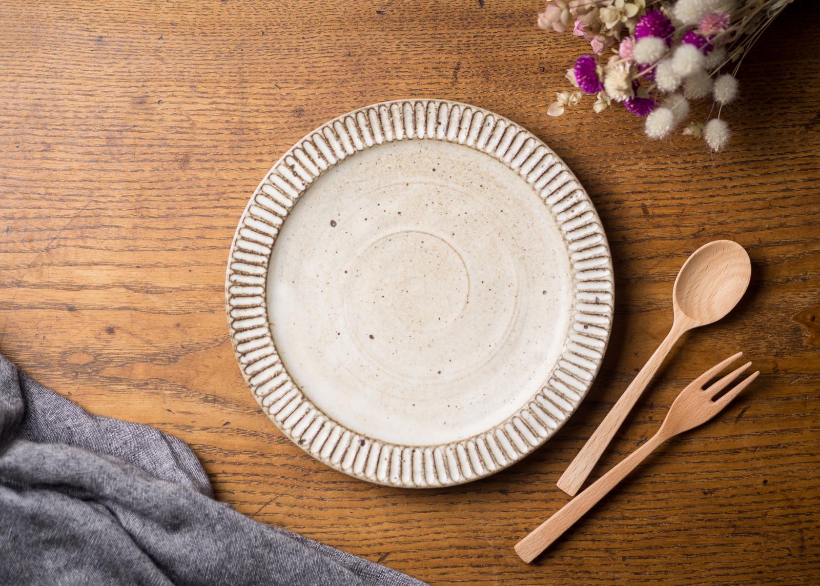 粉引き 鎬 7寸プレート(中皿・21cmプレート・デザート皿)/くるり窯