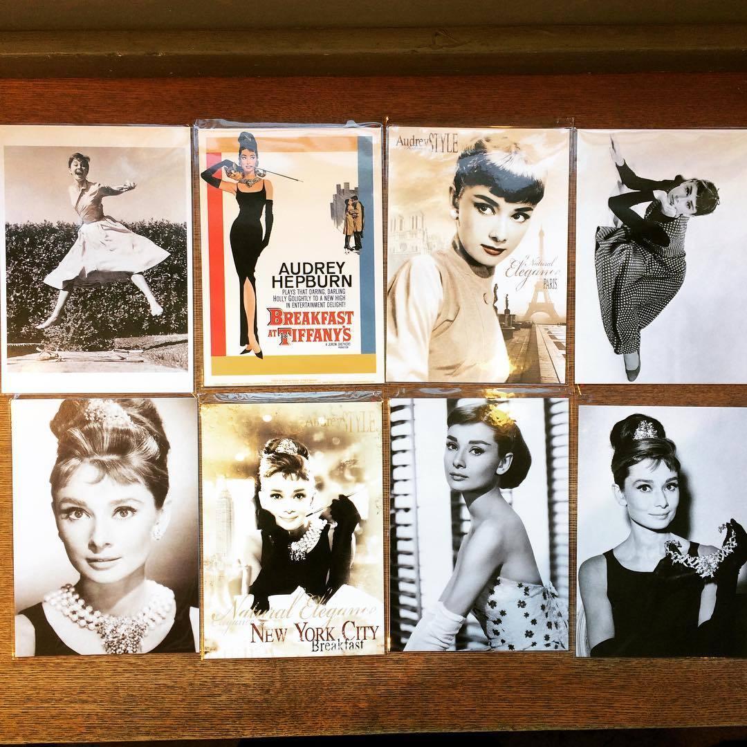 「オードリー・ヘプバーンのポストカード 8枚セット」 - 画像1