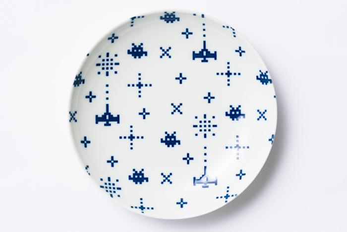 ピコピコゲーム皿 / The Porcelains