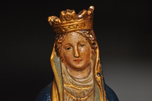 聖母マリアと幼子イエス像