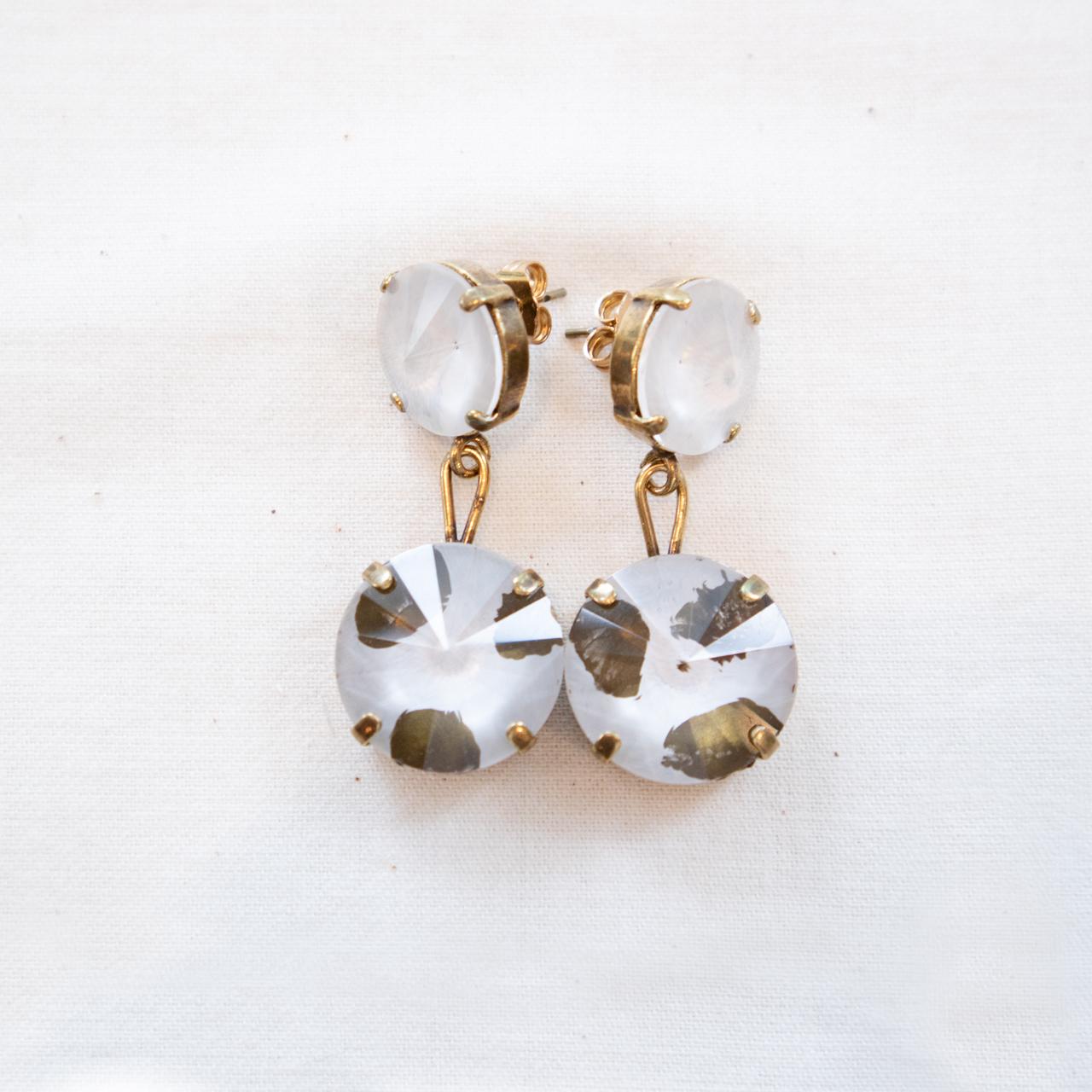 No.004233 イアリング・ピアス<ライトグレー>ガラス、真鍮【Clotilde Silva】