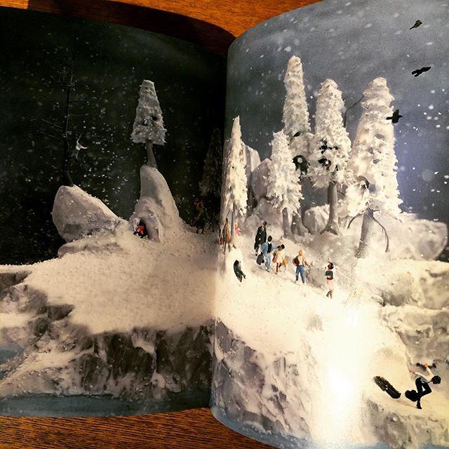 アートの本「Travelers/Walter Martin & Paloma Munoz」 - 画像3
