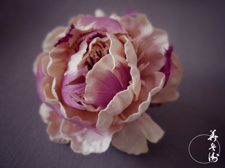 ヘンプ素材のコサージュ(ピンク)