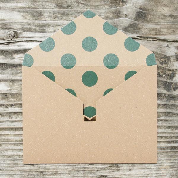 【クラフト×ドット緑】カード付スタイリッシュ封筒 HCA02A