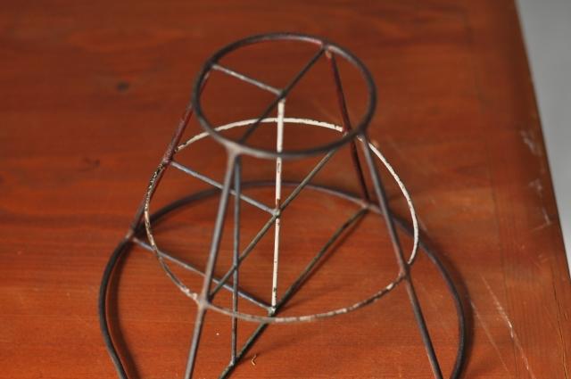ワイヤー立体図形オブジェ(円錐台)