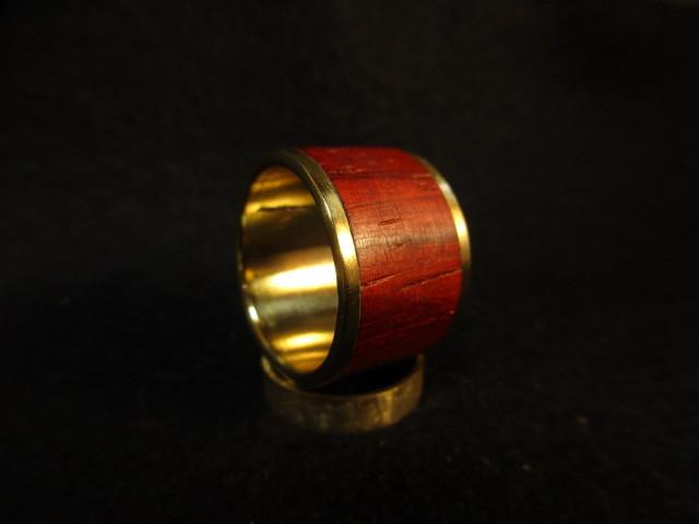 木と真鍮の指輪 パドウク 象嵌リング 大