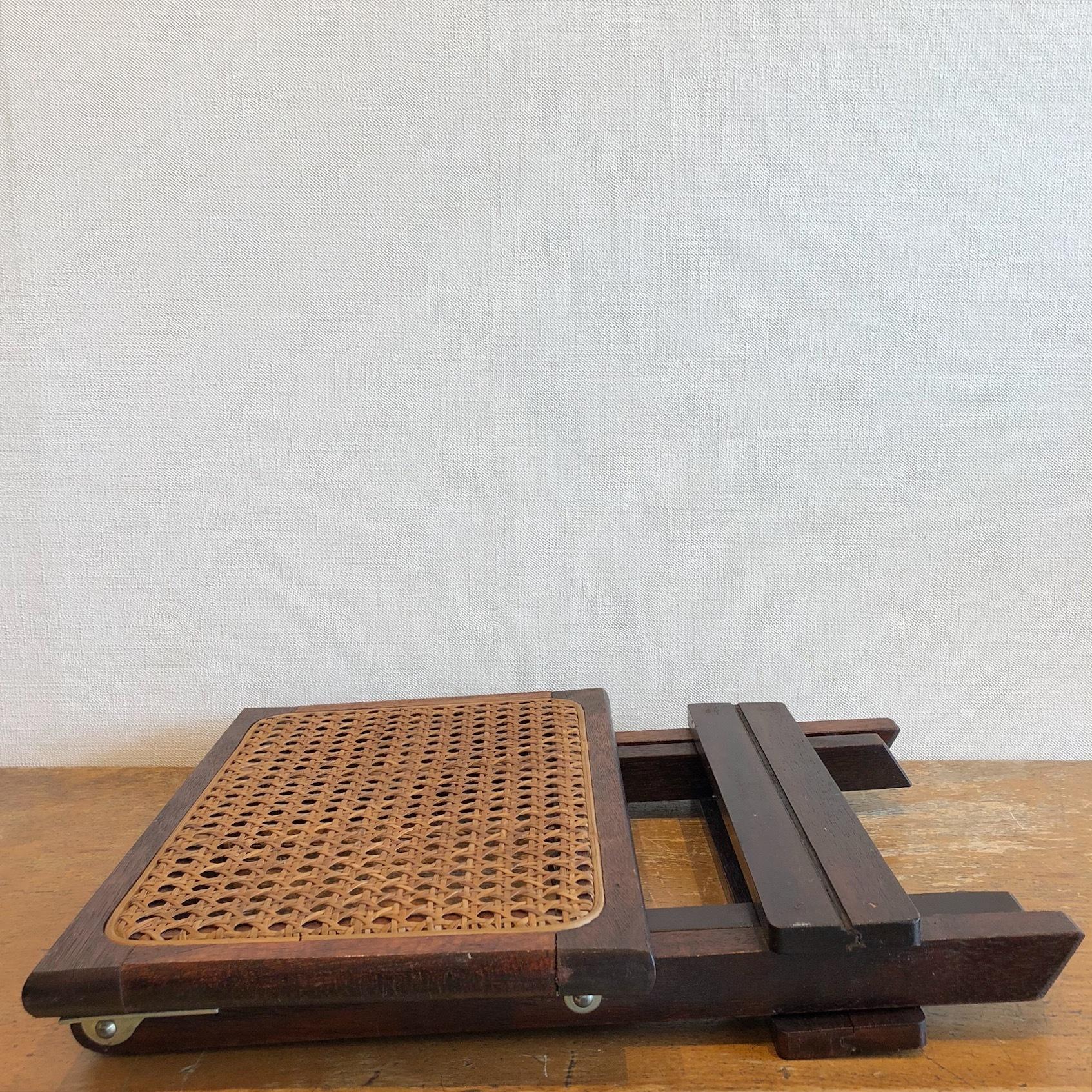 八ツ目編み折り畳み椅子