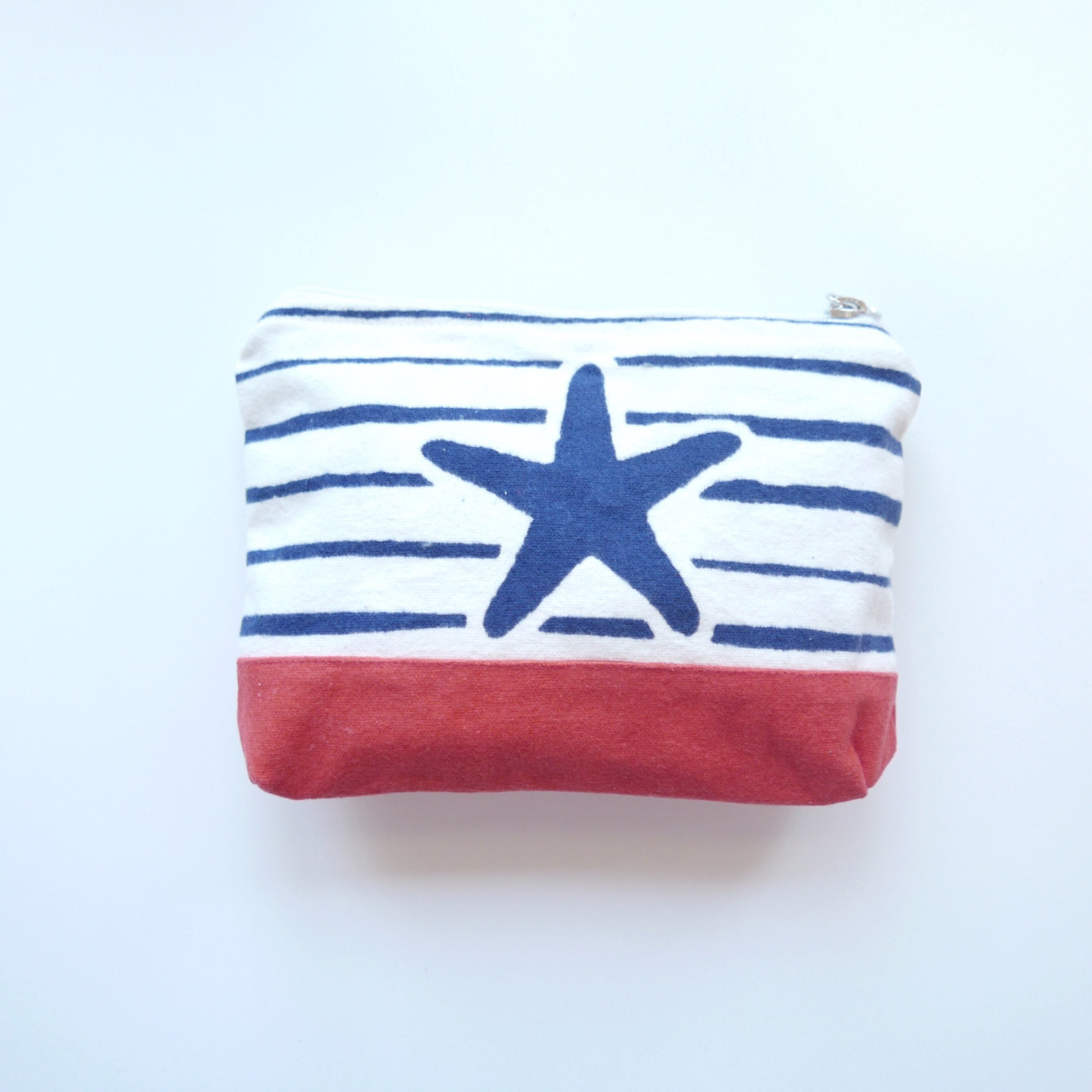 star fish pouch -white × coral red-