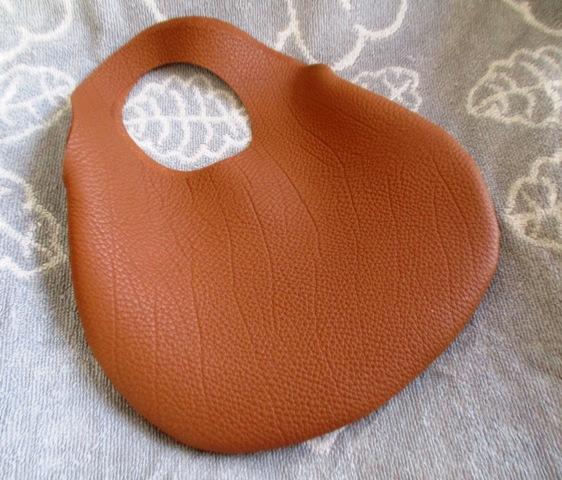 【新色】小さな革の袋・トリヨン有機デザインのバッグ