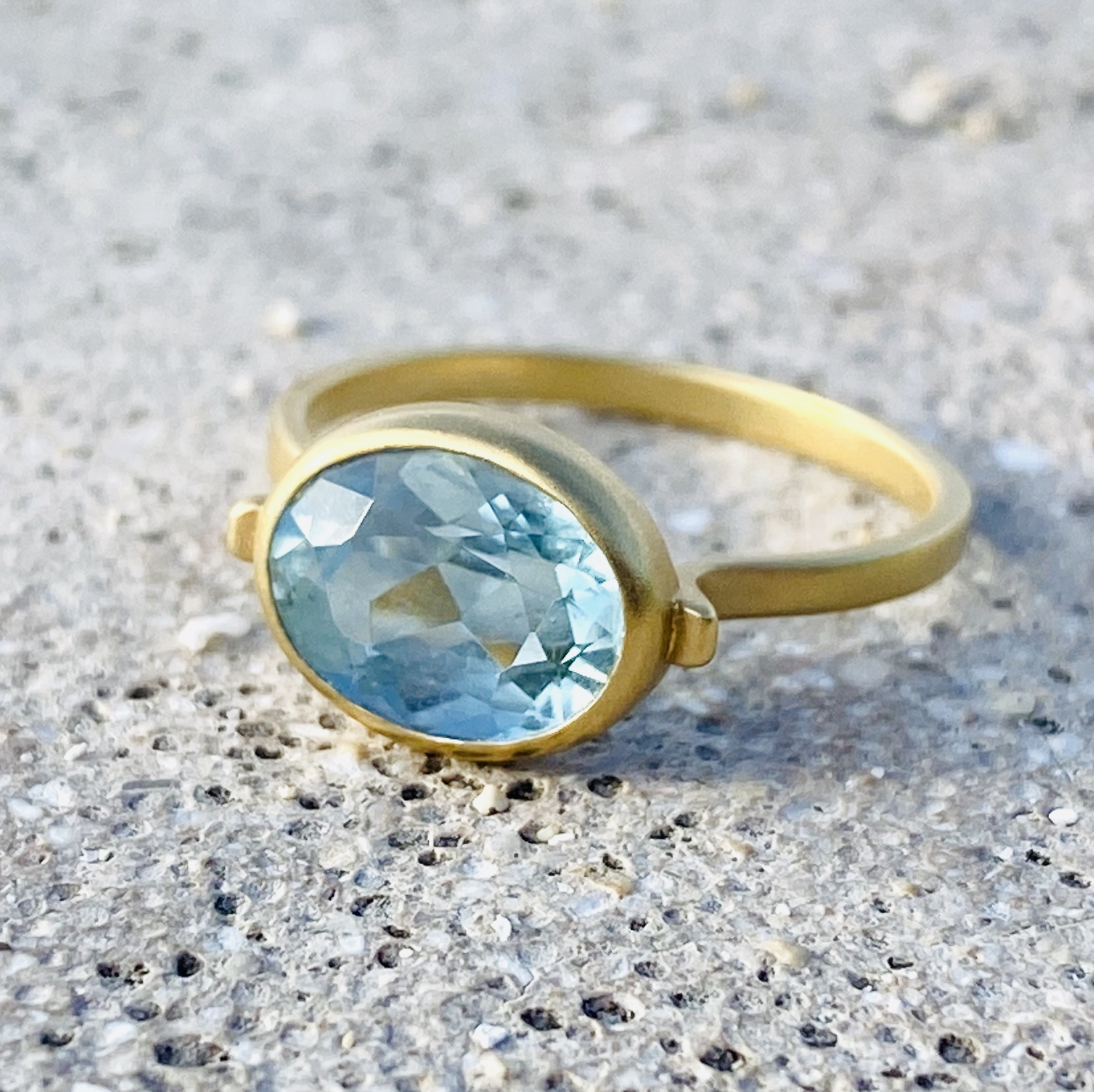 Aquamarine ring / K18YG