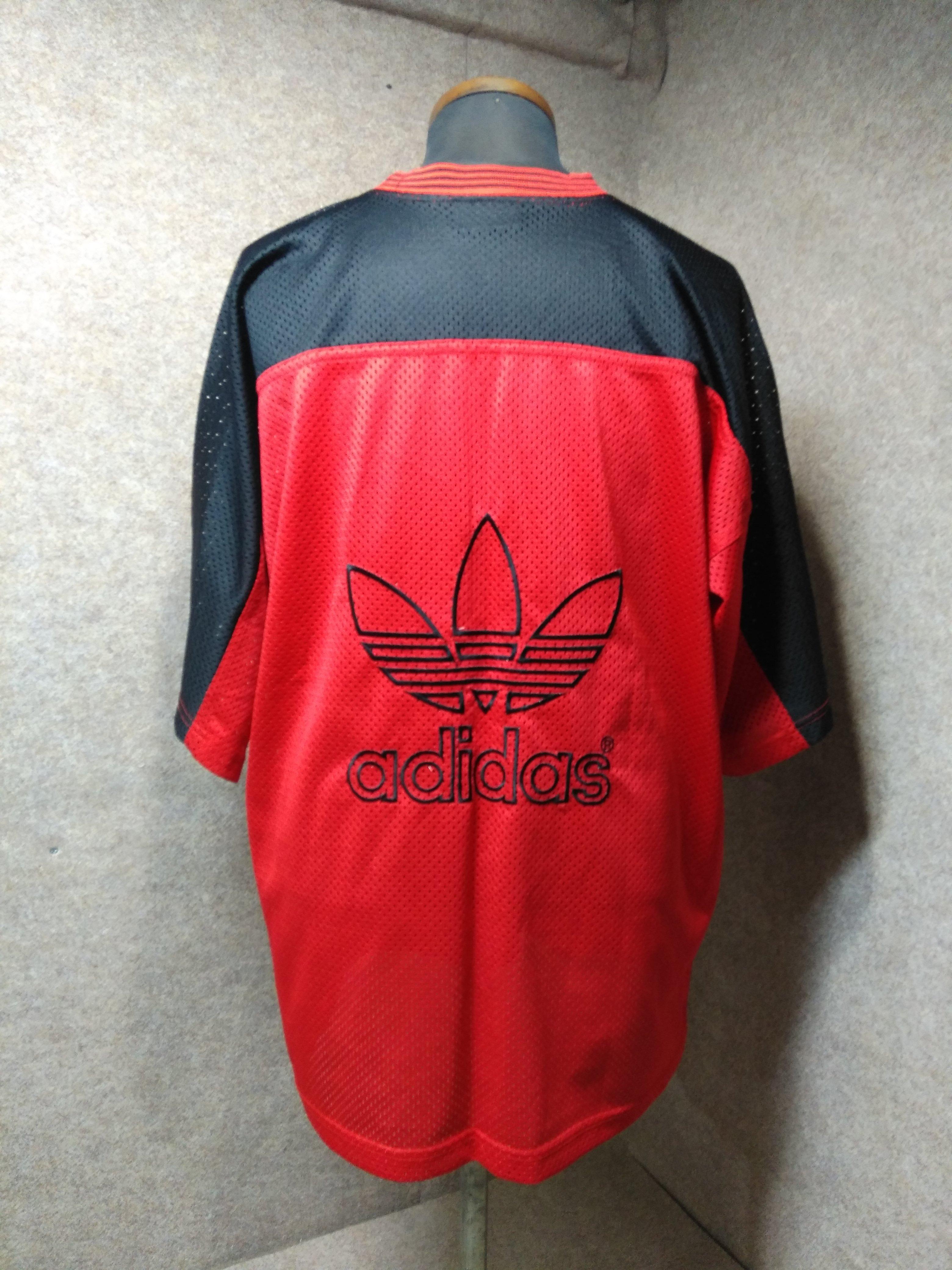 美品【adidas/アディダス】 ビッグメッシュシャツ 半袖 黒×赤 トレフォイルロゴ フットボール 刺繍 hs5【送料無料】古着