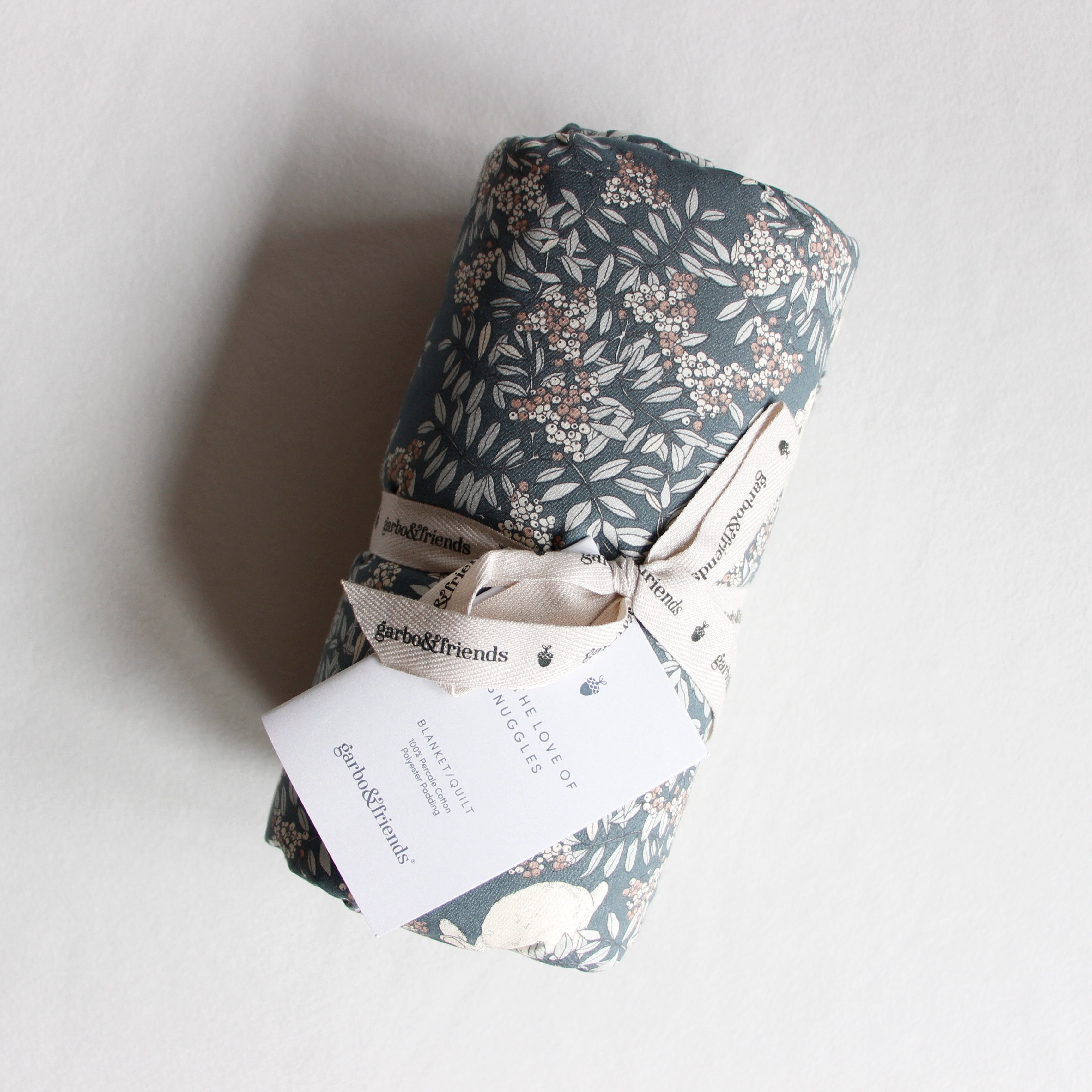 《garbo & friends》Filled Blanket /Fauna