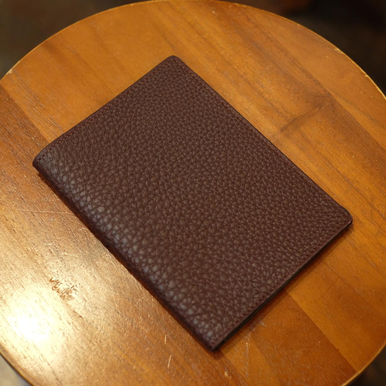 ル・ボナー パスポートケース ソフトスノーカーフ バーガンディー(デッドストック品)