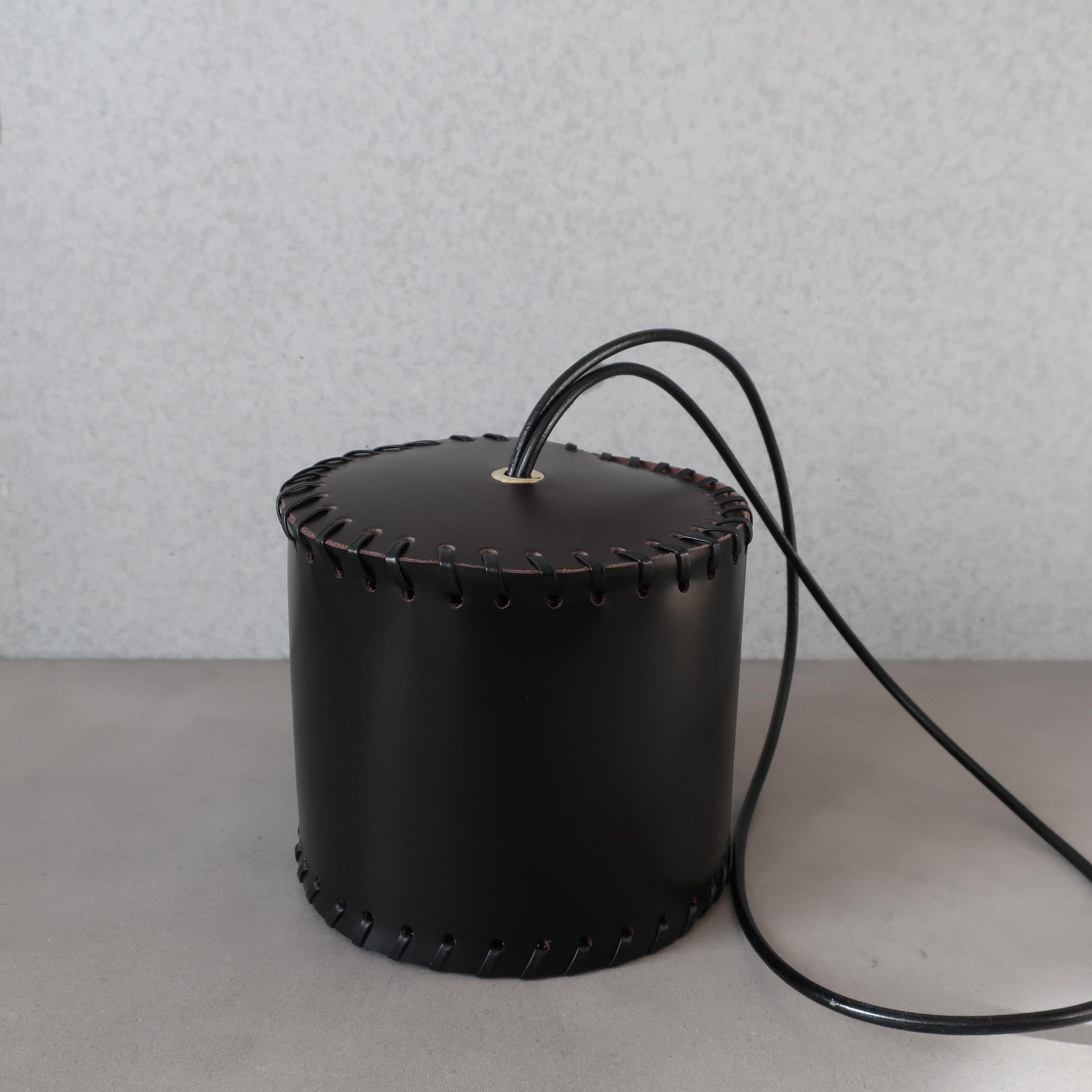 【Cylinder -Leather - Shoulder】