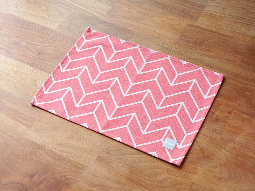 ピンクホワイトラインディレクション ランチョンマット 2枚セット