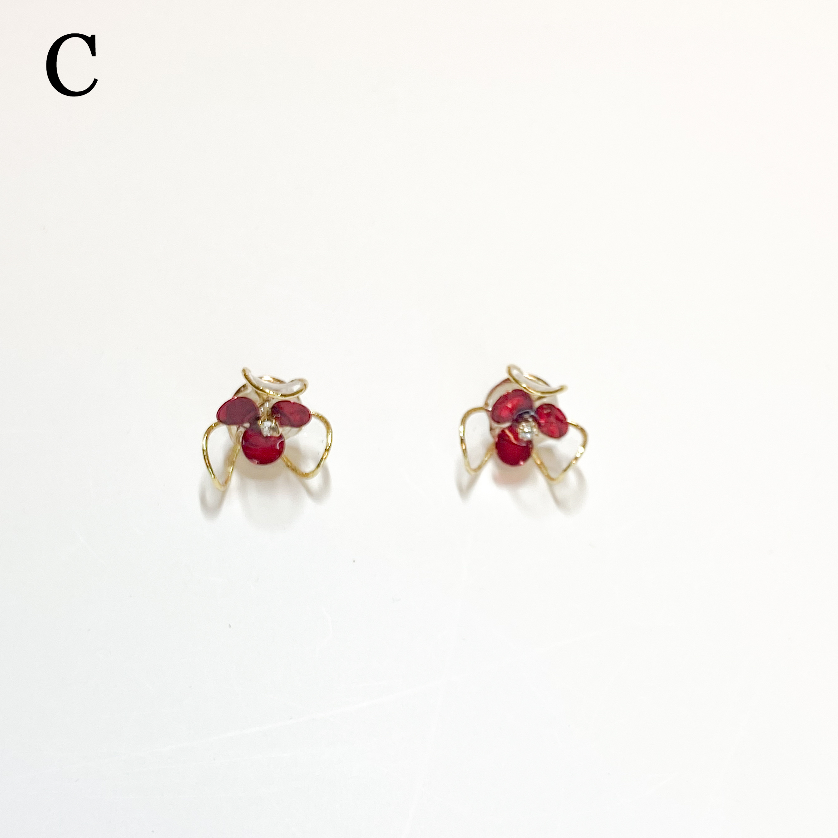clear flower M/赤ピンクピアス・イヤリング