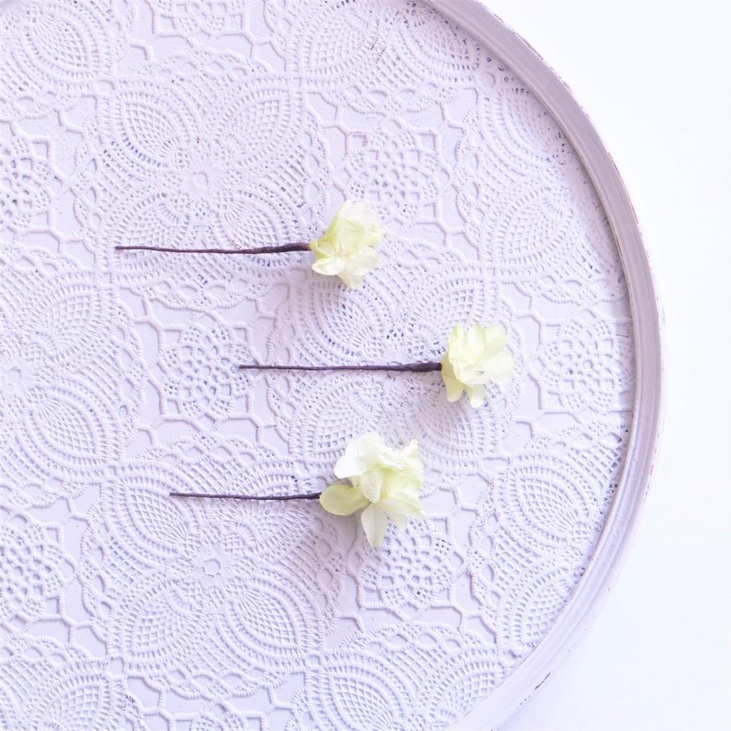 〖 ホワイトグリーン・柏葉アジサイのヘッドドレスパーツ3本 〗お好きなプリザ花材をカスタムメイドでお作り致します