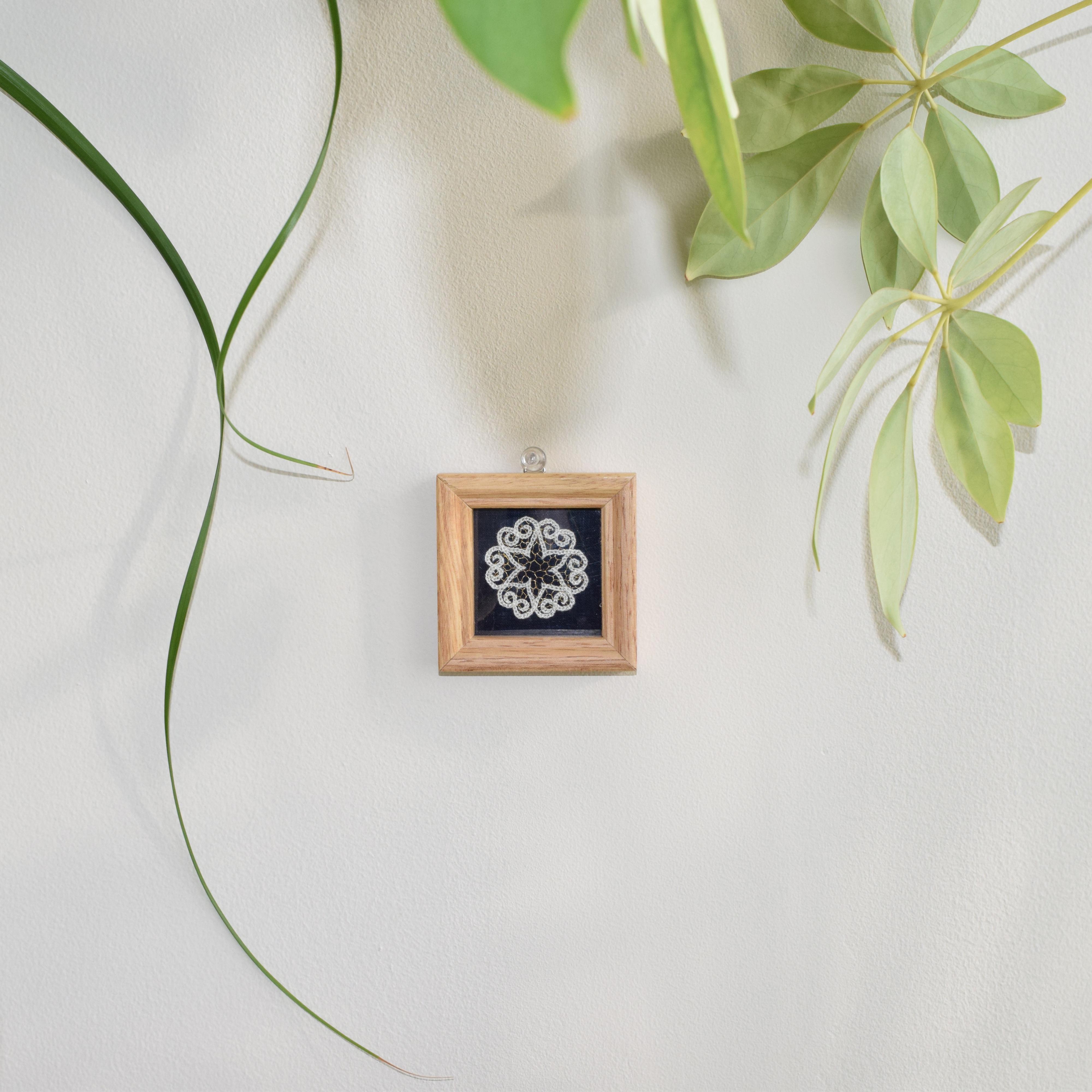 アートミニ額縁(白レース) mini picture frame(White lace knitting) 【さっぽろアイヌクラフト】