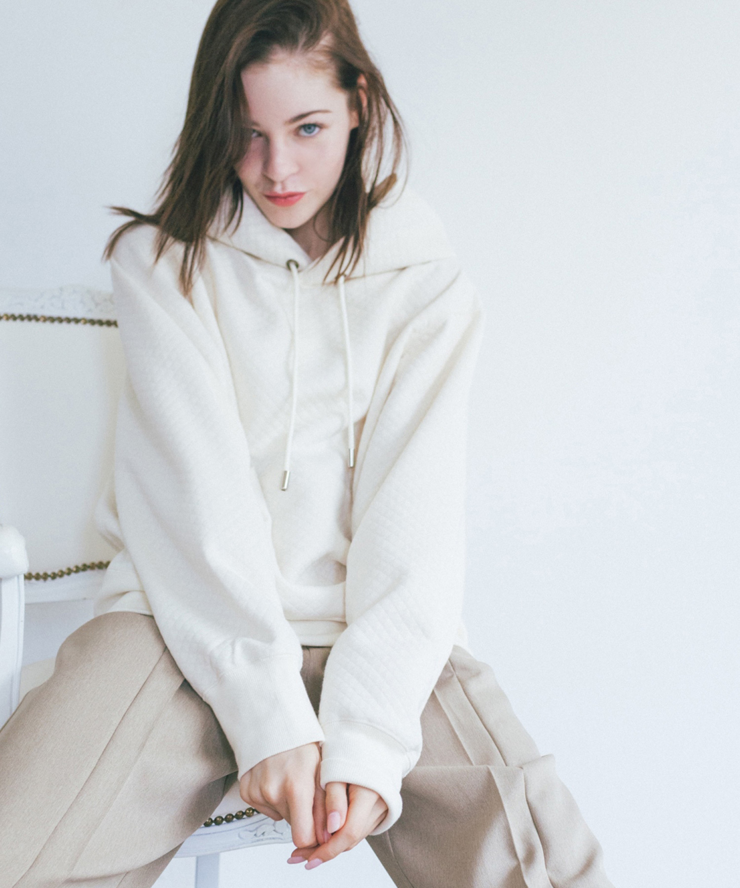 df19AW-08 QUILTING JQ HOODIE (white)
