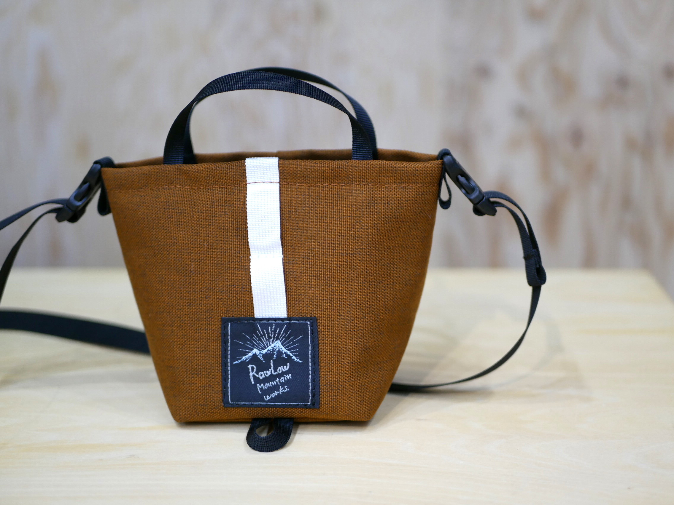 RAWLOW MOUNTAIN WORKS / TIBITIBI TOTE(AMBER BROWN)