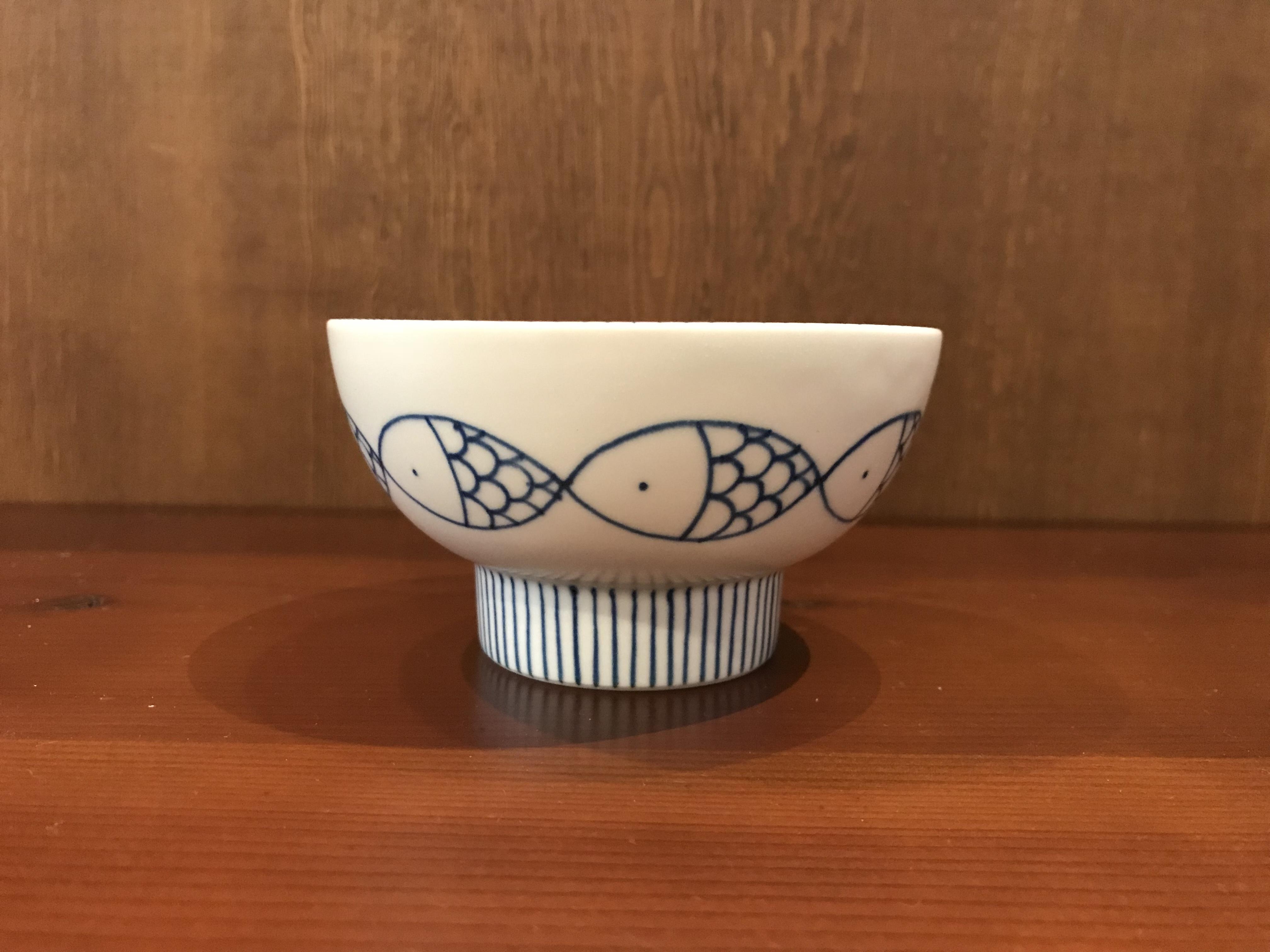 砥部焼  すこし屋 茶碗(小)  魚と十草