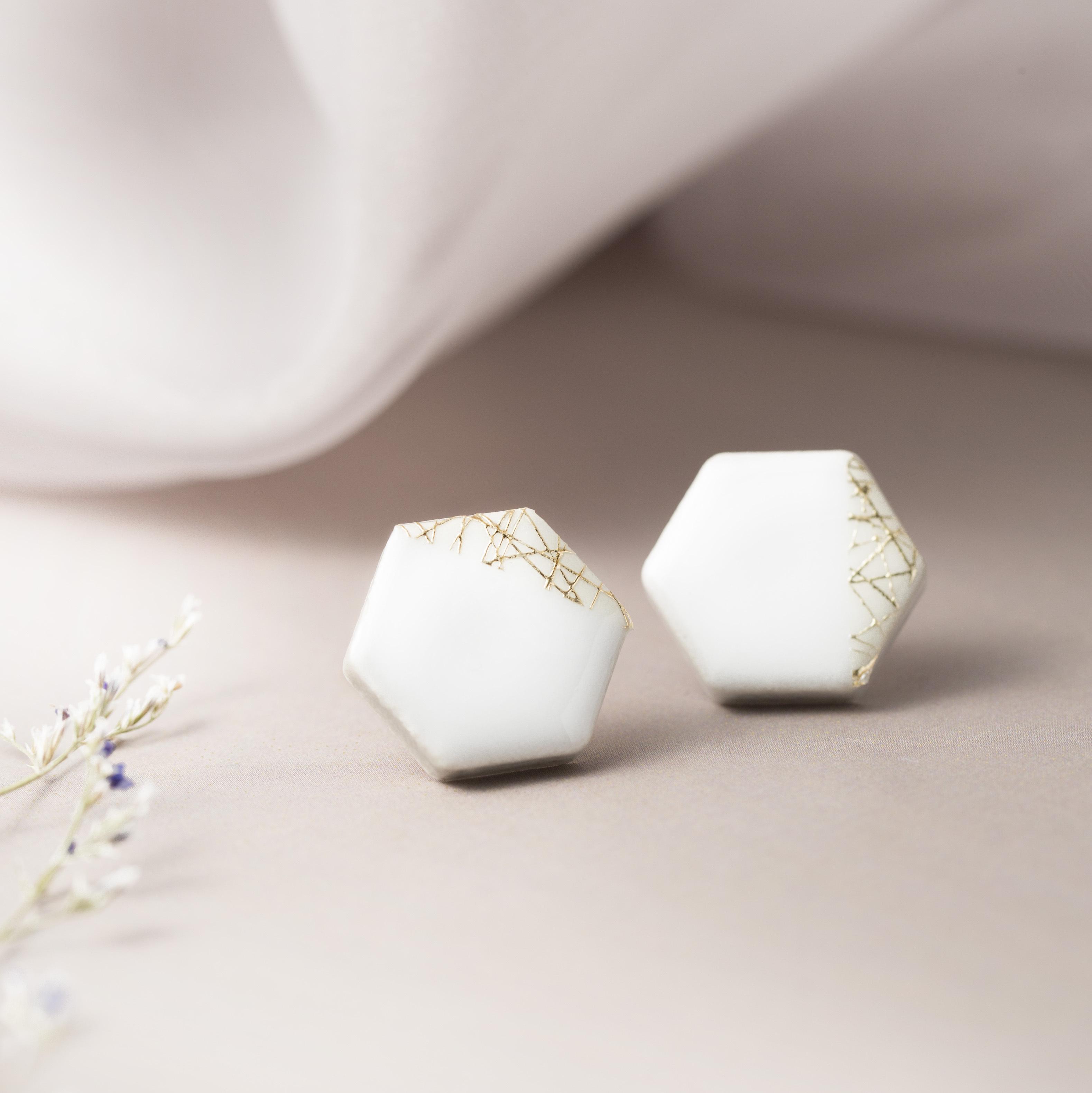 美濃焼 陶器 六角形 木漏れ日 イヤリング ピアス ホワイト 伝統工芸品