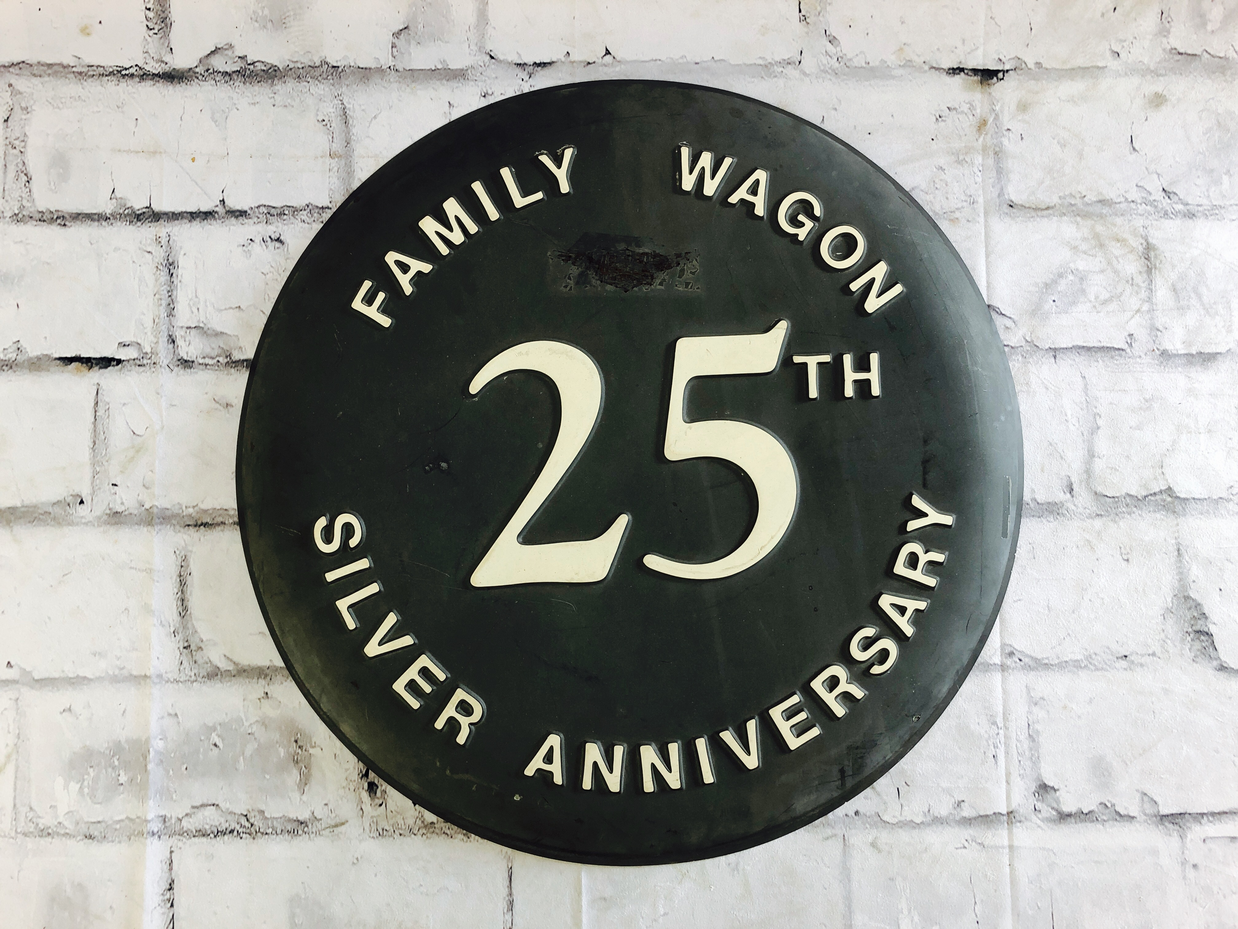 品番1041 サインボード FAMILY WAGON 25TH SILVER ANNIVERSARY 看板 ヴィンテージ