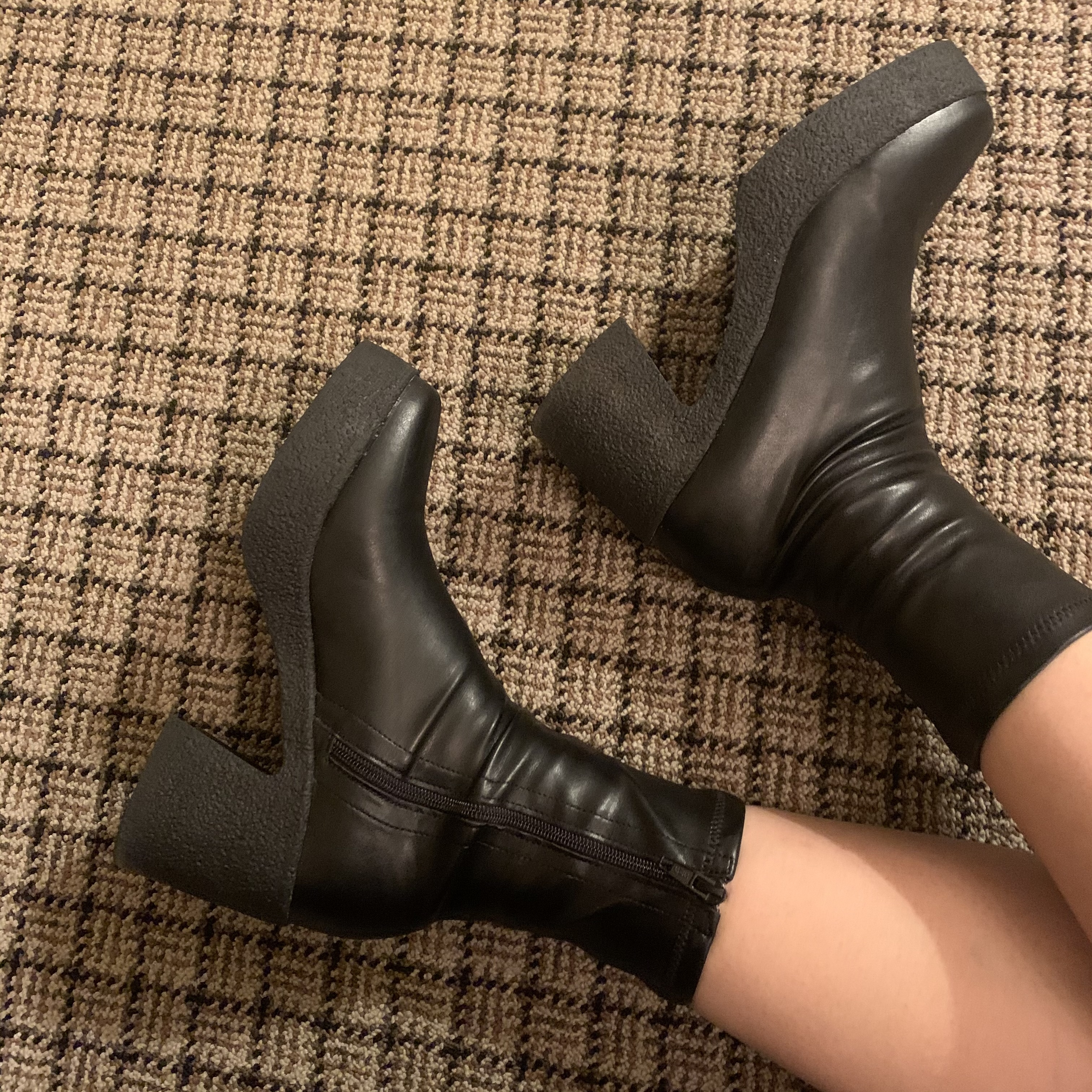 leather short boots