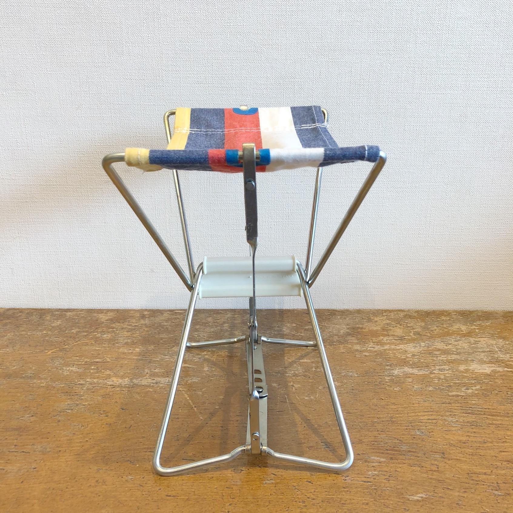 昭和レトロな折り畳み椅子