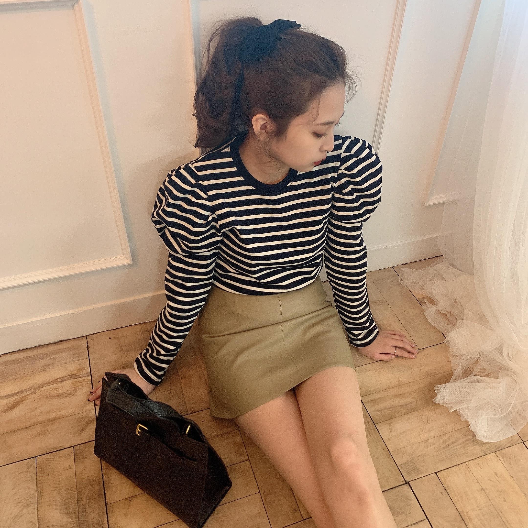 beige leather skirt