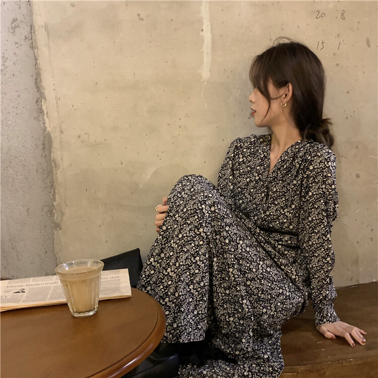 Vネックフローラルロングワンピース【V neck floral long one-piece】