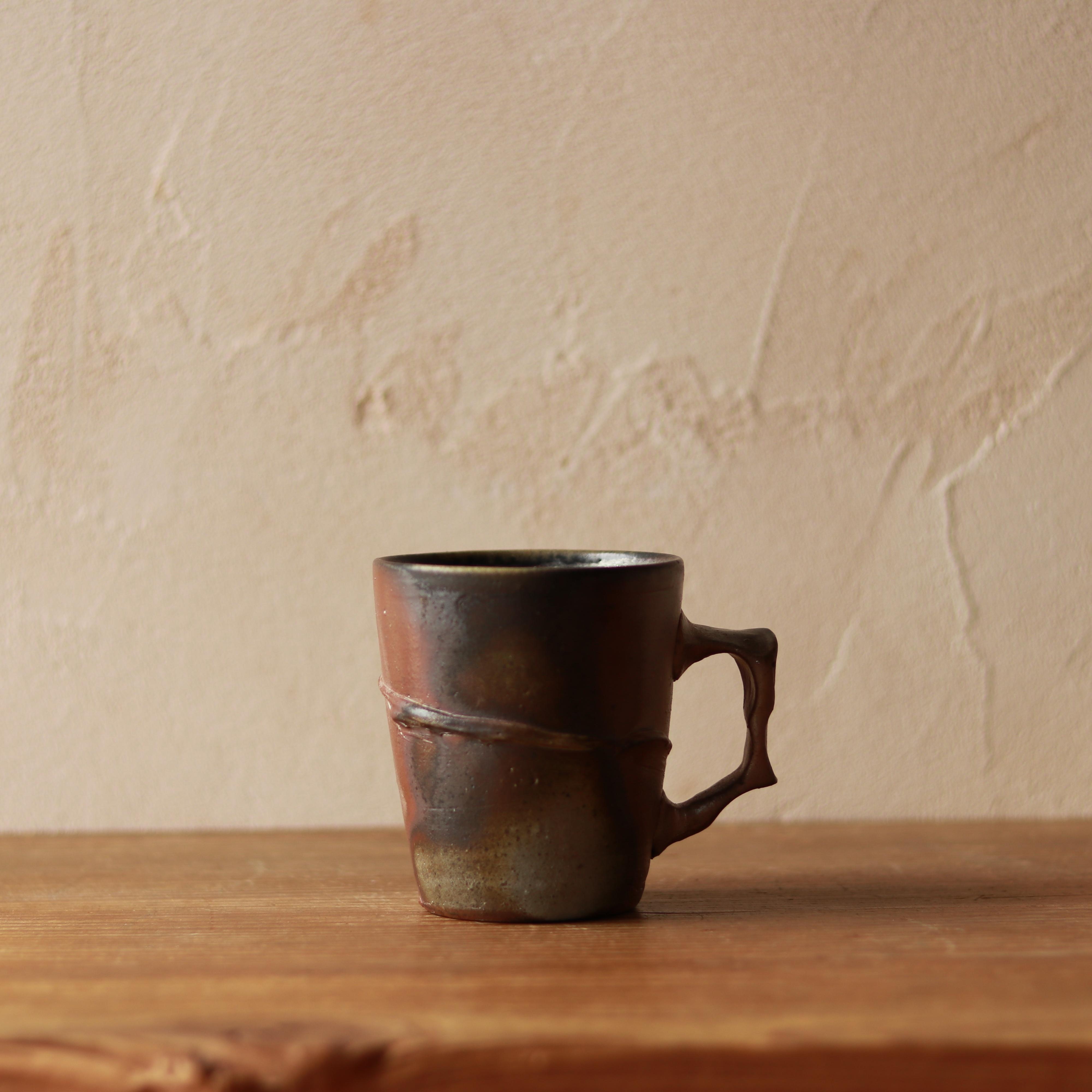「マグカップ(桟切)」と備前ブレンド  作/馬場隆志(備前焼)