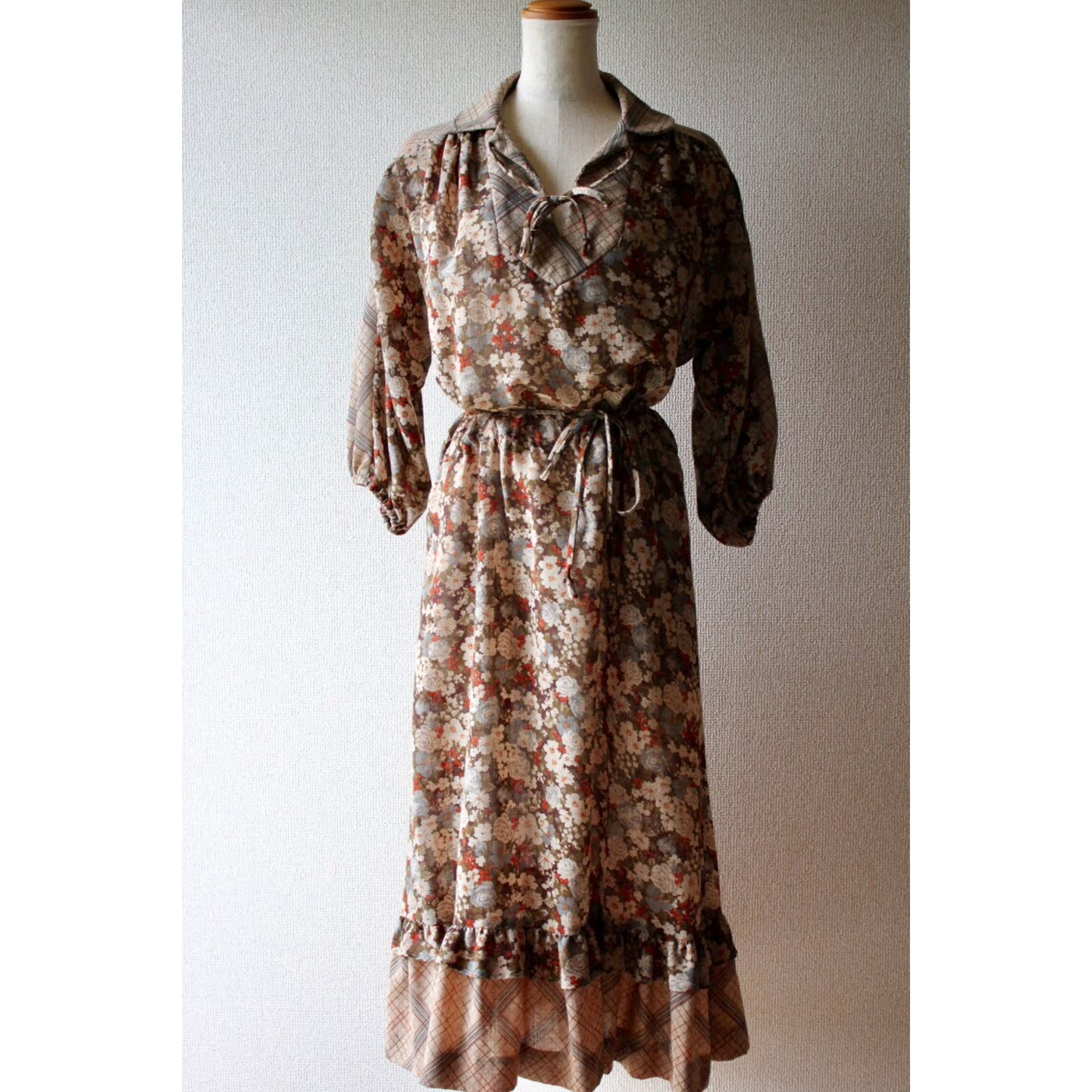 Vintage check and flower pattern dress